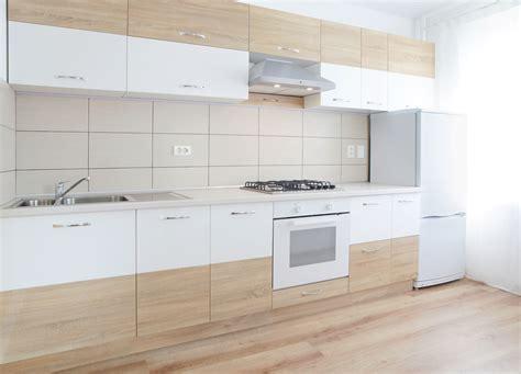 kitchen cabinet remodel wybieramy laminowane panele podłogowe do kuchni leroy merlin 2720