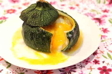 cuisiner courgettes rondes courgette ronde farcie comme un oeuf cocotte pour ceux