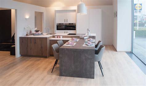 Keuken Met Kookeiland En Tafel by Kookeiland Voor Kleine Keuken