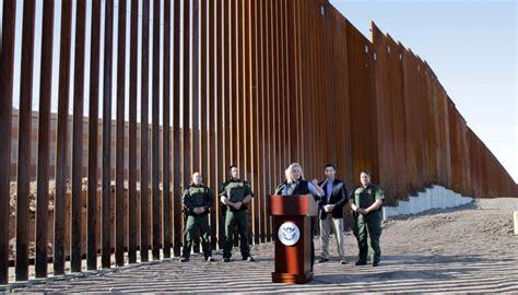 trump wall donald fence