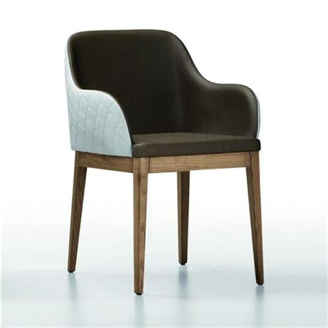 chaise simili cuir marron chaise matelassé design midj avec accoudoirs sur cdc design