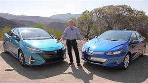 2017 Toyota Prius Prime vs 2017 Chevrolet Volt: plug-in ...