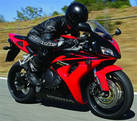Honda CBR 1000 RR Fireblade 2006 - Fiche moto - Motoplanete