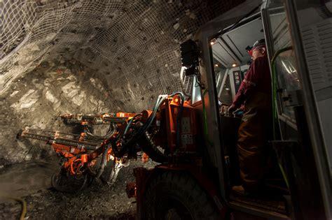 mining  michigan towns  hope   york times