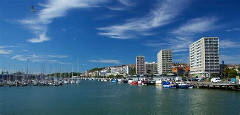 port de boulogne sur mer beaches and as far as the eye can see reserve on line your holidays in pas de calais in