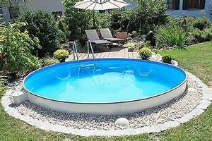 Steine Für Poolumrandung : swimmingpool auf aufgesch tteten hang google suche around the house ~ Frokenaadalensverden.com Haus und Dekorationen