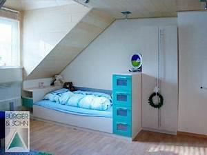 Bett Unter Dachschräge : gem tlich unter der dachschr ge ~ Lizthompson.info Haus und Dekorationen