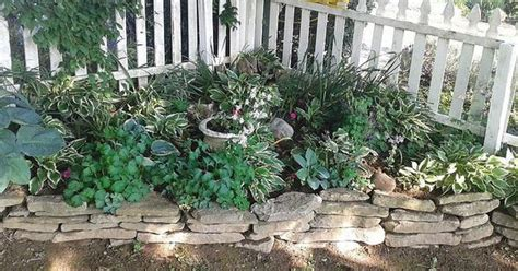corner picket fence landscape this idea for a