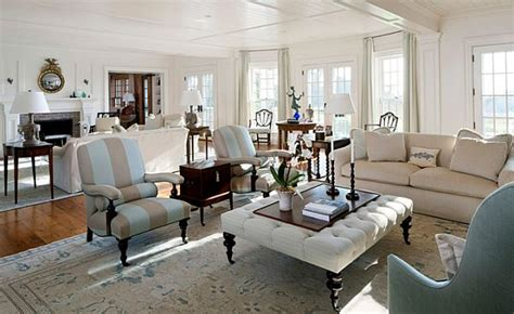 Cape Style Home Decorated Classic Color And Pattern by 10 Chic Martha S Vineyard Blue And White Interiors With