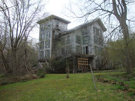 staggering    abandoned hotel hiding  vermont