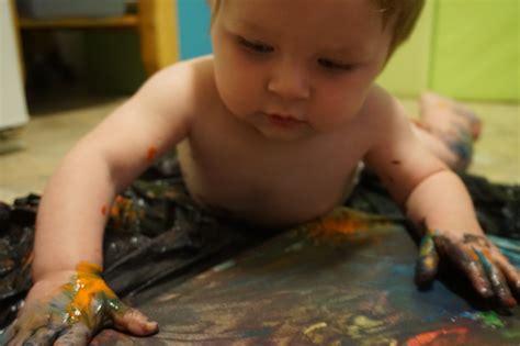 developmental activities   month  babies body