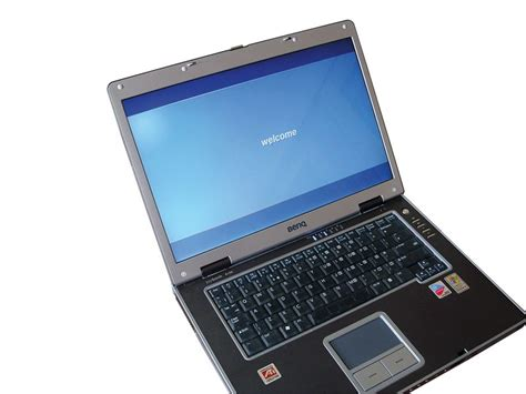 replace  broken laptop screen techradar