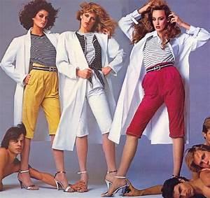 Women's Fashion in the 20th century – Mountain View Mirror