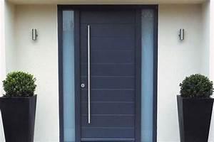 prix dune porte dentree en acier budget maisoncom With combien coute une porte d entrée