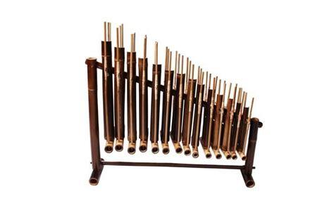 Angklung reog sering dijadikan bagian contoh alat musik tradisional jawa timur yang hingga sekarang masih diakui oleh dunia. Beragam Gambar Angklung Lengkap