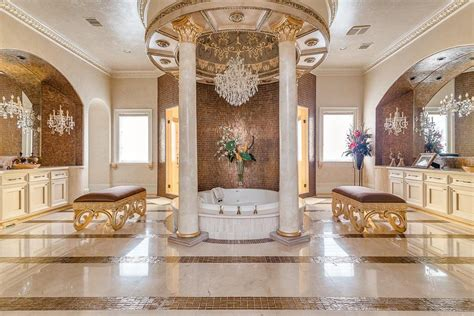 Designing Royalty Inside Set Designs Crown by A Majestic Venetian Style Mansion In Idesignarch