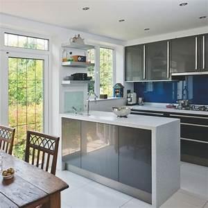 Kleine Küche Einrichten : k cheneinrichtung geschmackvolle einrichtungsideen f r ~ Lizthompson.info Haus und Dekorationen