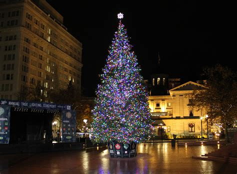 magical christmas towns  oregon