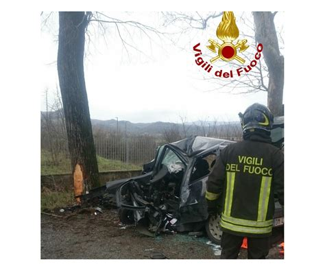 L'incidente ha coinvolto anche i piloti jeremy alcoba (honda) e ayumu sasaki (ktm) alla curva arrabbiata 2 del circuito del mugello dove erano in svolgimento le qualifiche della moto3, valide per il. OK!Mugello: Incidente mortale tra Borgo e San Piero: auto contro un albero
