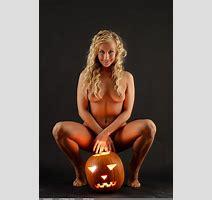 Lucynova Halloween Nudespuri Com