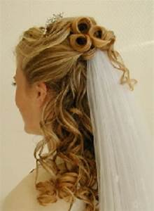 Wedding Hairstyles Half Up Half Down With Tiara And Veil ...
