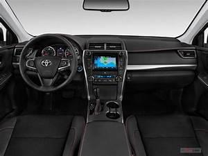 2017 Toyota Camry Interior   U.S. News & World Report