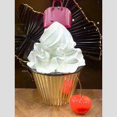 Ein Cupcake Von Louis Vuitton  Josie Loves