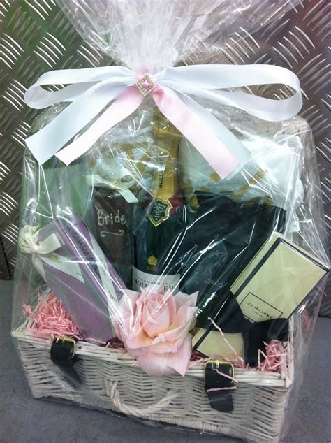 luxury gifts gift hampers experiences concierge