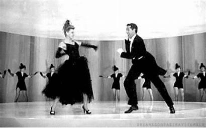 Judy Garland Gifs Dancing Dance Actress Reaction
