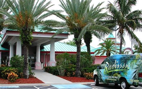 Car Parking At Canaveral by Radisson Canaveral Cruise Parking Review