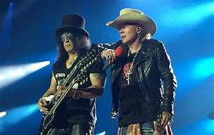 Axl Rose Tickles Slash At Guns N' Roses Show ...