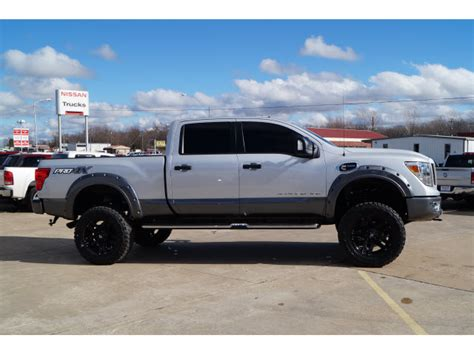 nissan titan lifted  sale   cars