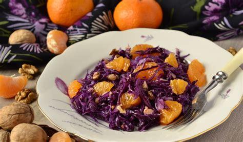 Receptes.lv - Svaigi kāposti ar valriekstiem un mandarīniem