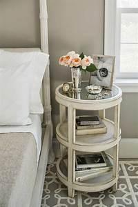 Table De Chevet Ronde : quelle table de chevet choisir pour votre jolie chambre coucher ~ Teatrodelosmanantiales.com Idées de Décoration