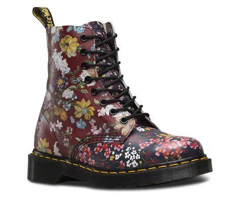 dr martens a fiori doc martens flower boots flowers ideas for review