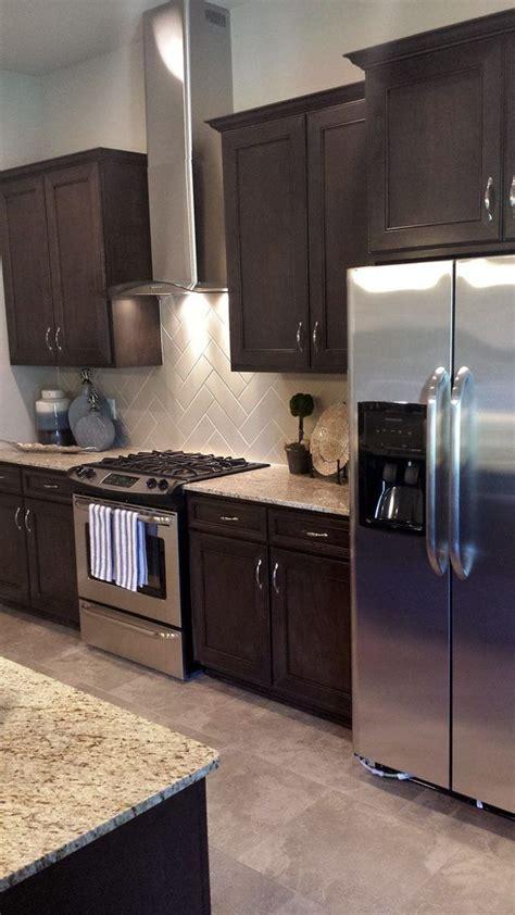 pics of black kitchen cabinets best 25 espresso kitchen cabinets ideas on 7431