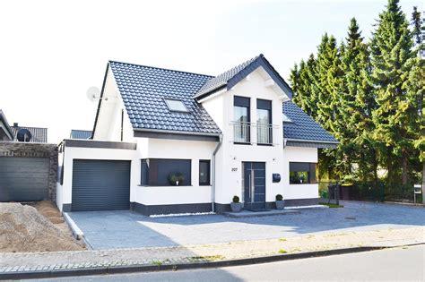 Garage Unter Einfamilienhaus by Freistehendes Einfamilienhaus Mit Garage In Wegberg