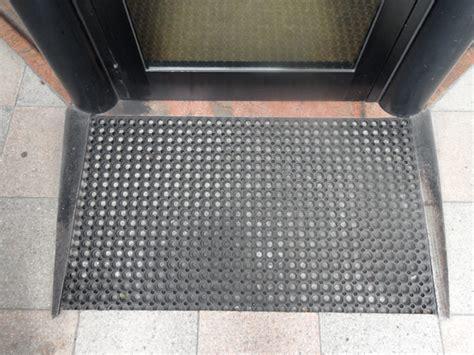 tappeti in gomma per esterno tappeti da esterno ikea cool simple tappeti per bambini