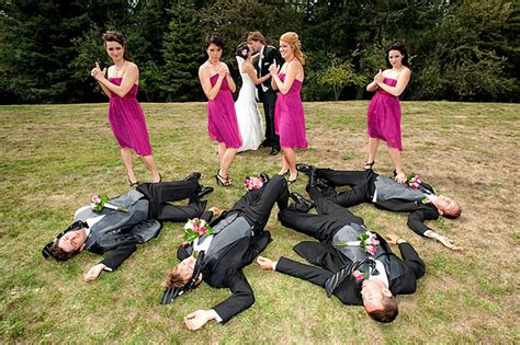 20 Creative Wedding Poses For