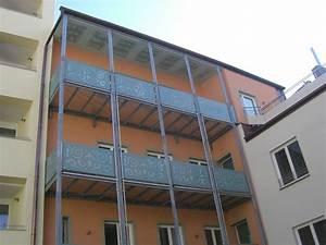 balkon und gartenblumen die beliebtesten arten bestimmen With markise balkon mit tapeten regensburg