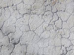 Decorating Diva Tips: How to Paint Faux Cracked Walls
