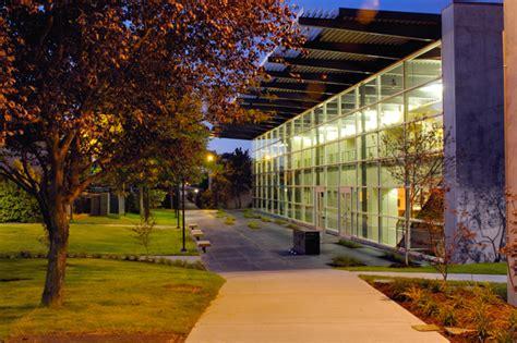 ron van der veen  college  design