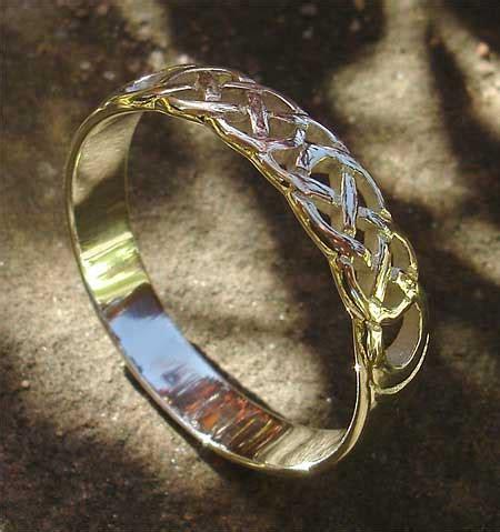 scottish celtic knot wedding ring lovehave   uk