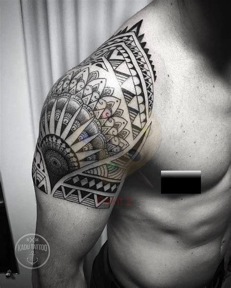 tatouage epaule des modeles sur lesquels sappuyer obsigen