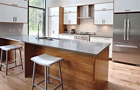 cuisine bois et blanc laqu date design laqu brillant