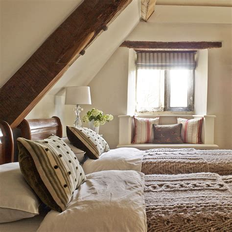 Decorating Ideas For Small Guest Room by Guest Bedroom Ideas Guest Bedroom Designs Guest Bedrooms