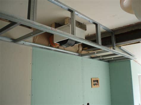 hotte de cuisine plafond dans la jungle des pianos de cuisson 21 messages