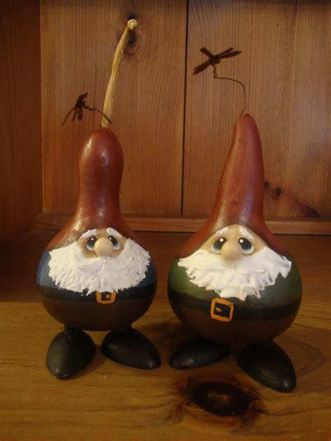 garden gnomes gourd crafts    crafty