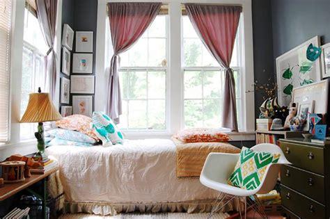 deco chambre petit espace aménager une chambre d amis à la maison design feria
