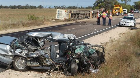 Myeni, 29, who lived in hawaii with his according to hawaii news now, on wednesday officers responded to a report of a burglary in progress at a home in nuuanu. One killed in Tailem Bend truck collision | Adelaide Now